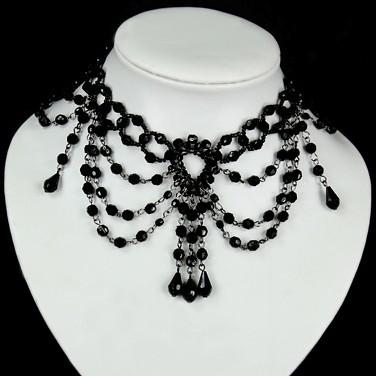 http://www.gothyka.com/Gothyka_images/produits/parure_gothique_de_perles_noires_-_recol806.jpg